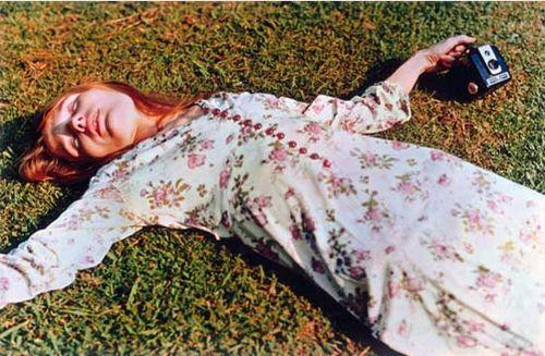 WE_girl_grass_75