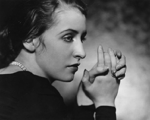 NM_marion-morehouse---beautiful-hands-1930s
