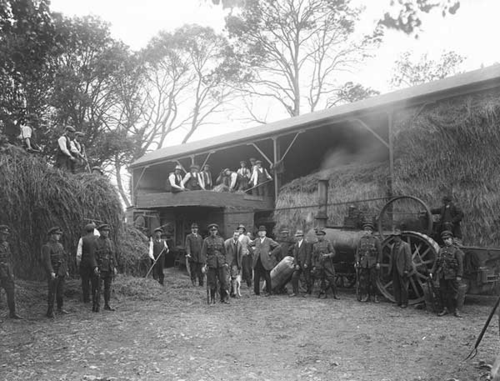 Threshing_CoWaterford_1923